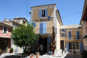 Eine Kathedrale der Literatur: die Librairie Le Bleuet im provenzalischen Banon.  © Le Bleuet. www.lebleuet.fr [05.03.2014]