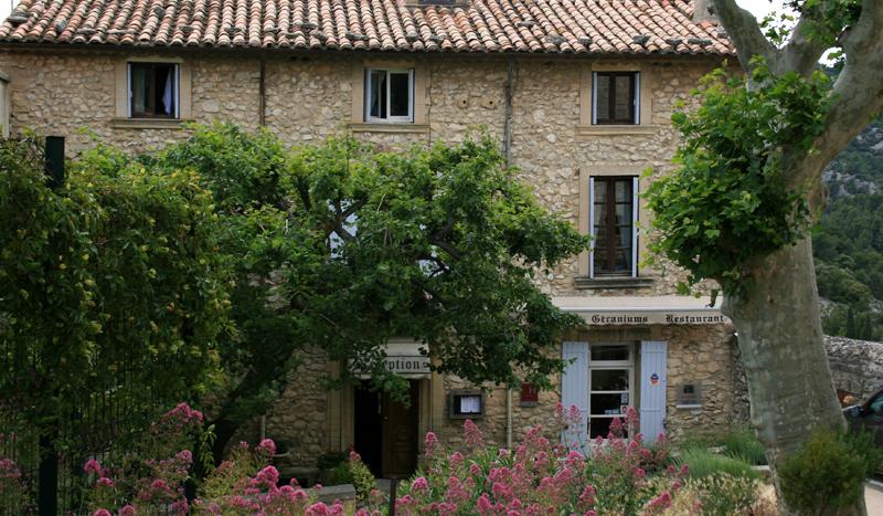 Das Restaurant Les Geraniums in Le Barroux. Foto © www.cleevesmedia.de Zum Vergrößern bitte auf das Bild klicken